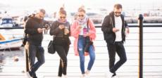 4 trükk, hogy kevésbé legyen káros a telefonozás